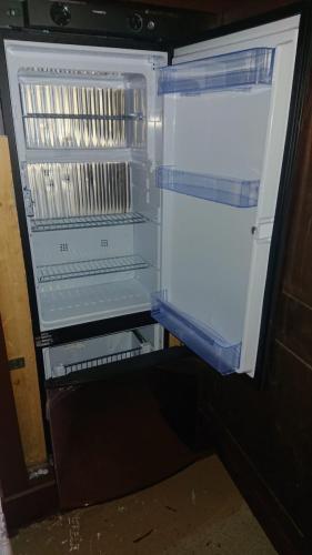 Neuer GAS- Kühlschrank